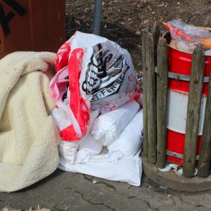 Übeltäter die ihren Müll illegal entsorgt haben.